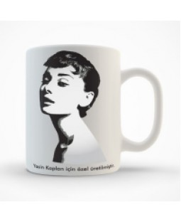 Kişiye Özel İsimli Audrey Hepburn Kupa